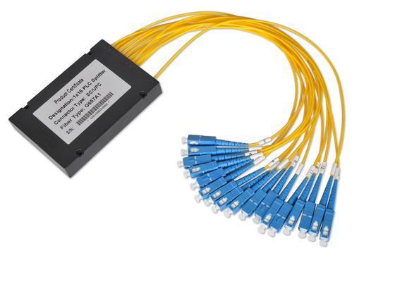 Gli accoppiatori di fibra ottica 1*32 e 2*32 con 0.9mm 2.0mm 3.0mm cablano, separatore della fibra mista